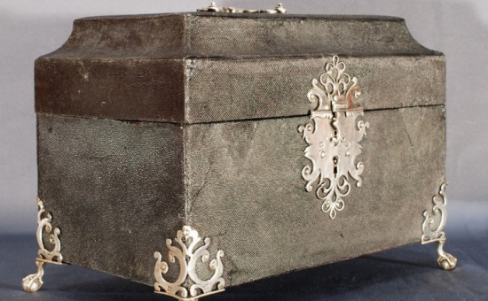 Coffret en galuchat naturel et argent (18ème siècle)