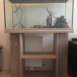 Aquarium + meuble  240 litres
